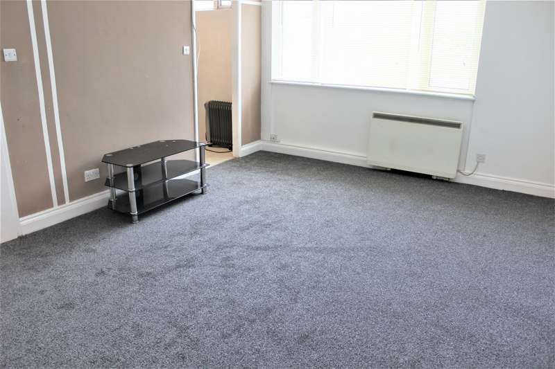 1 Bedroom Flat for sale in Russell House, Gillett Avenue, East Ham, E6