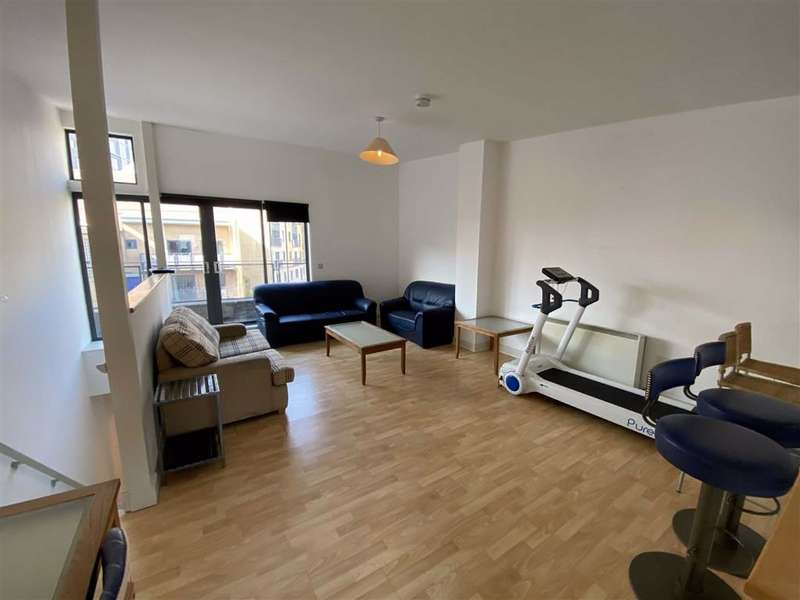 2 Bedrooms Flat for sale in City Point 1, 150 Chapel Street, Salford