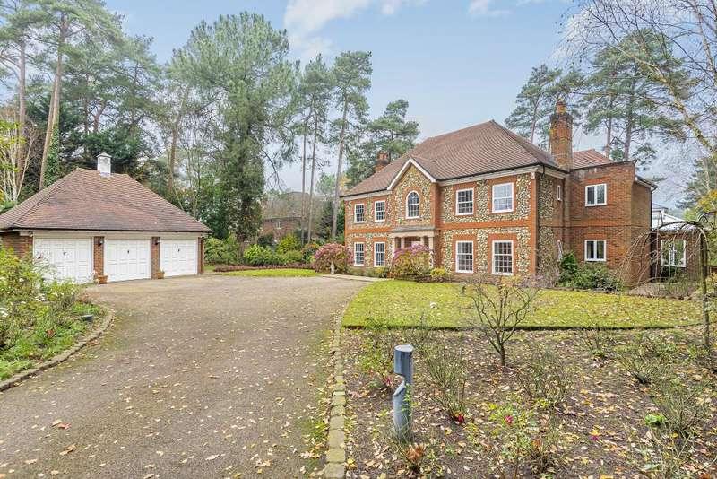 5 Bedrooms Detached House for rent in Camberley, Surrey, GU15