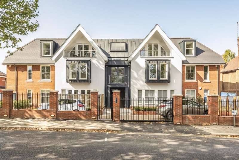 3 Bedrooms Flat for sale in The Halley, Finchley, N3