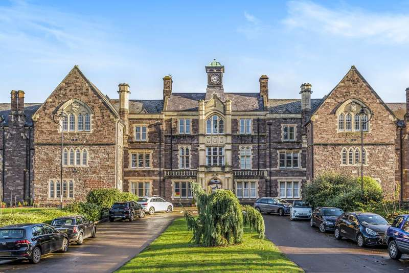 2 Bedrooms Flat for sale in Parc Pen-y-Fal, Abergavenny, NP7