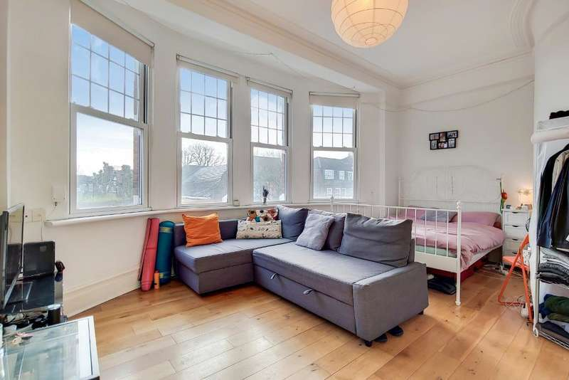 3 Bedrooms Flat for rent in Fortiss Green Road, Muswell Hill, London, N10 3DU