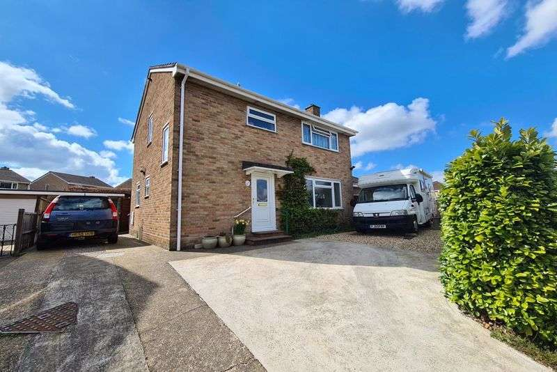 3 Bedrooms Property for sale in Winyards View, Crewkerne