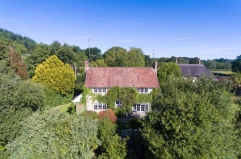 3 Bedrooms Country House Character Property for sale in Ansty Coombe, Nadder Valley