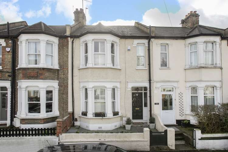 3 Bedrooms Terraced House for sale in Sandtoft Road London SE7