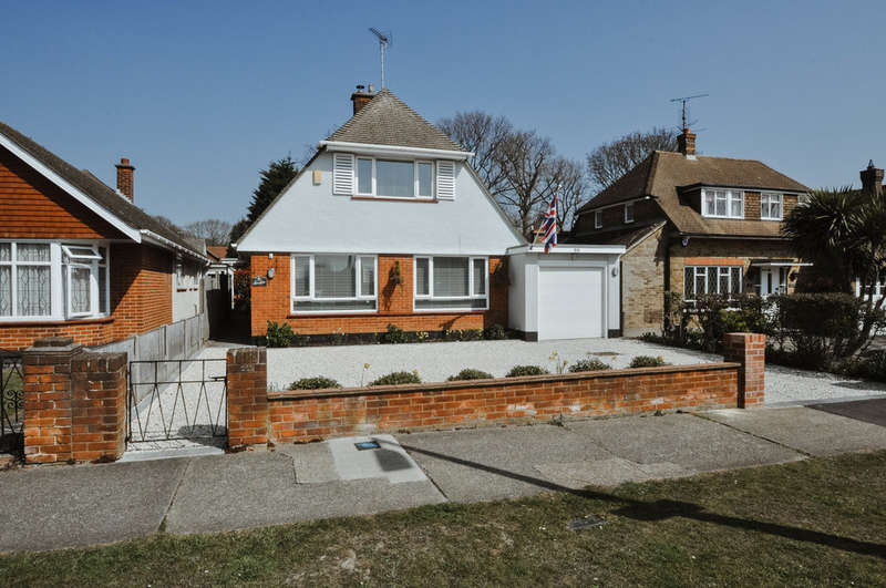2 Bedrooms Chalet House for sale in Scrub Lane, Hadleigh