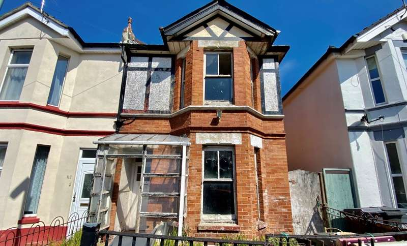 3 Bedrooms Semi Detached House for sale in Wolverton Road, Bournemouth, BH7 6HX