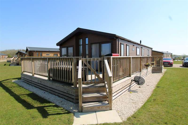 2 Bedrooms Park Home Mobile Home for sale in Highfields Retreat, Mareham Lane, Spanby, Sleaford