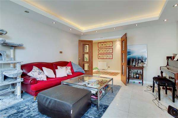 3 Bedrooms Flat for sale in MANOR HOUSE COURT, WARRINGTON GARDENS, London, W9