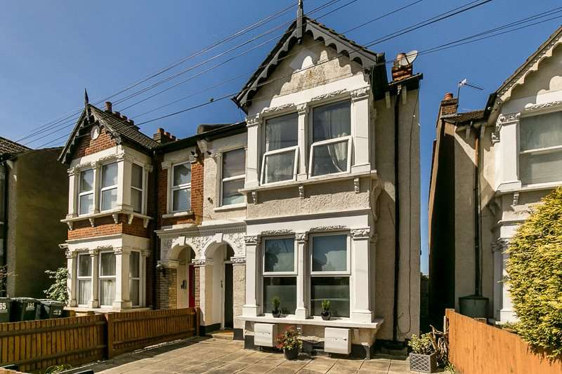2 Bedrooms Apartment Flat for sale in Woodside Green, LONDON, SE25