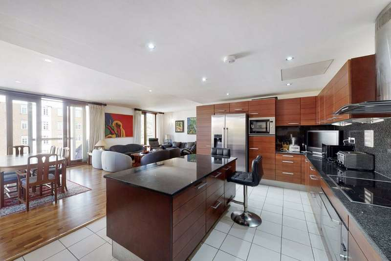 4 Bedrooms Flat for sale in The Galleries, London, NW8