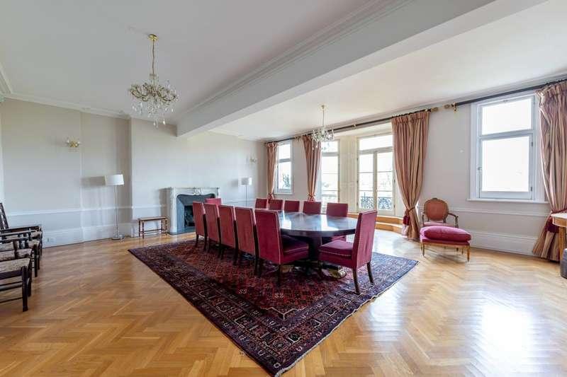3 Bedrooms Flat for rent in Cambridge Gate, Regent's Park, NW1