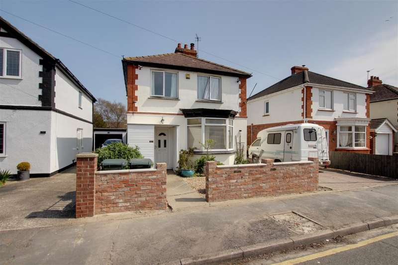 3 Bedrooms Detached House for sale in George Street, Mablethorpe