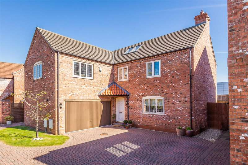 5 Bedrooms Detached House for sale in Newark Road, North Hykeham, Lincoln