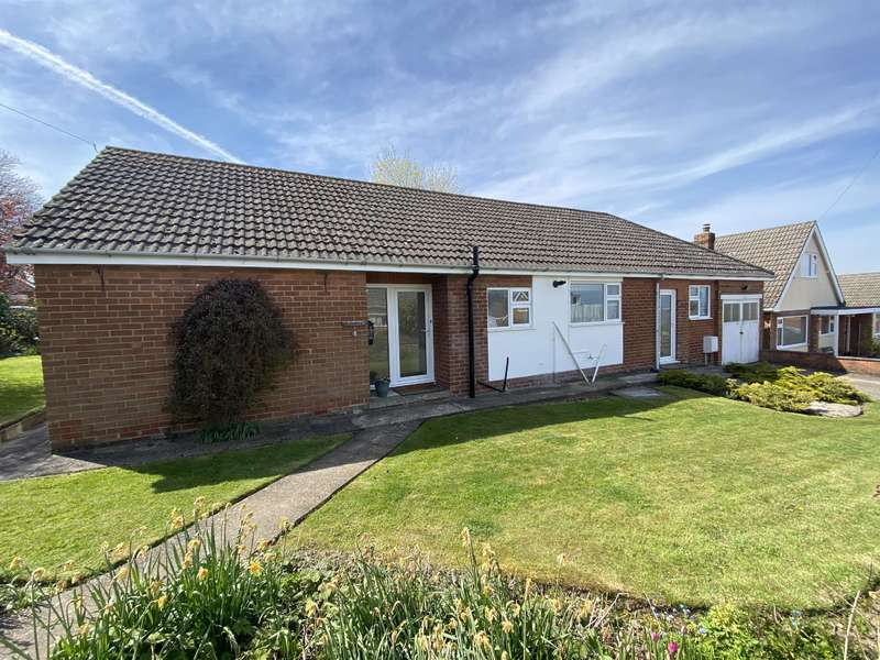 3 Bedrooms Bungalow for sale in Linda Crescent, Louth, LN11 9LQ