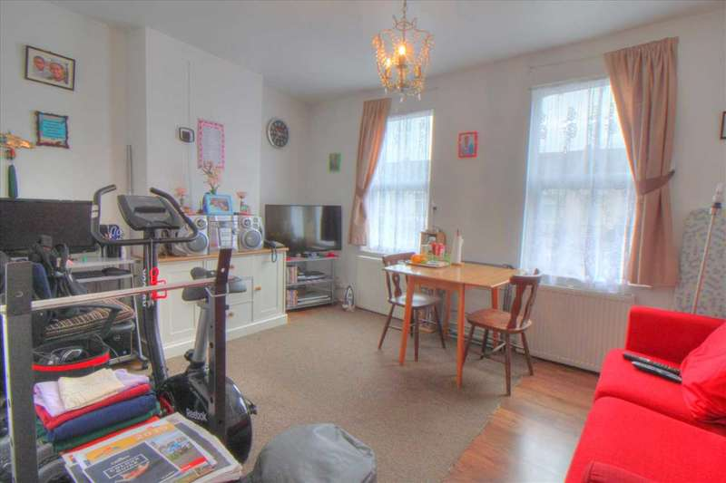 1 Bedroom Apartment Flat for sale in Chiswick Road, Edmonton