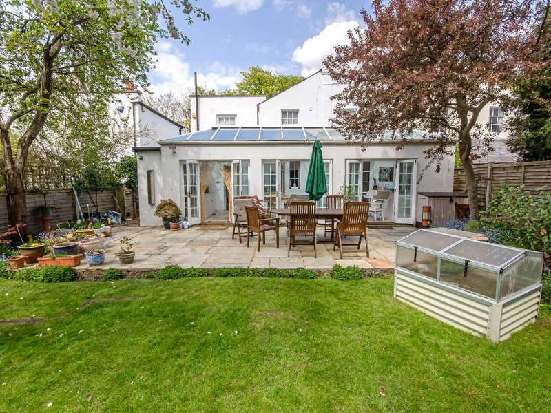 5 Bedrooms Semi Detached House for sale in Fortis Green, East Finchley, London, N2