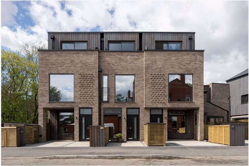 4 Bedrooms Terraced House for sale in Brookburn Road, Chorlton Green, Manchester, M21
