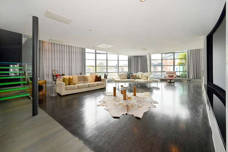 4 Bedrooms Penthouse Flat for sale in Arlington Road, London NW1