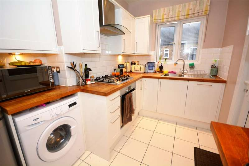 4 Bedrooms Maisonette Flat for sale in West Gardens, Colliers Wood/Tooting Borders