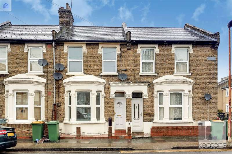 3 Bedrooms Terraced House for sale in Torrens Square, Stratford, London, E15