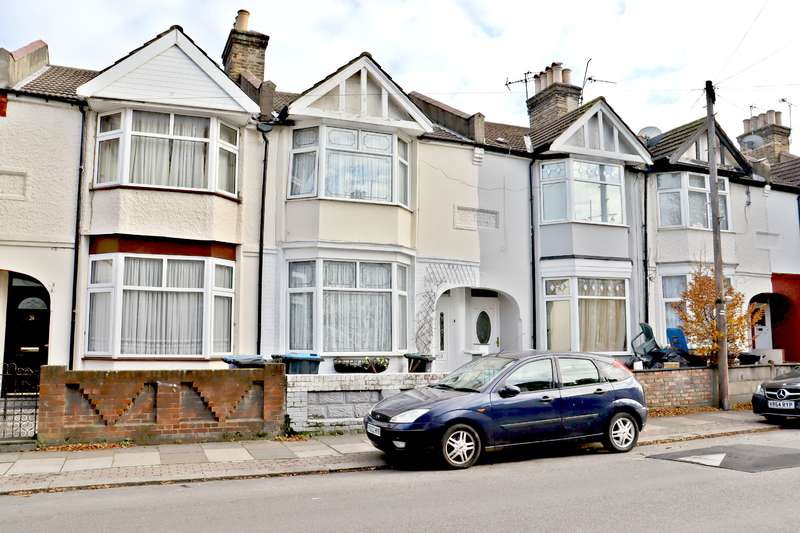 3 Bedrooms Terraced House for sale in Winchester Road, London N9
