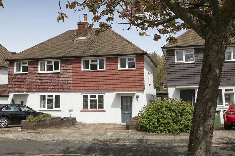 3 Bedrooms Semi Detached House for sale in Maldon Close, Camberwell, SE5