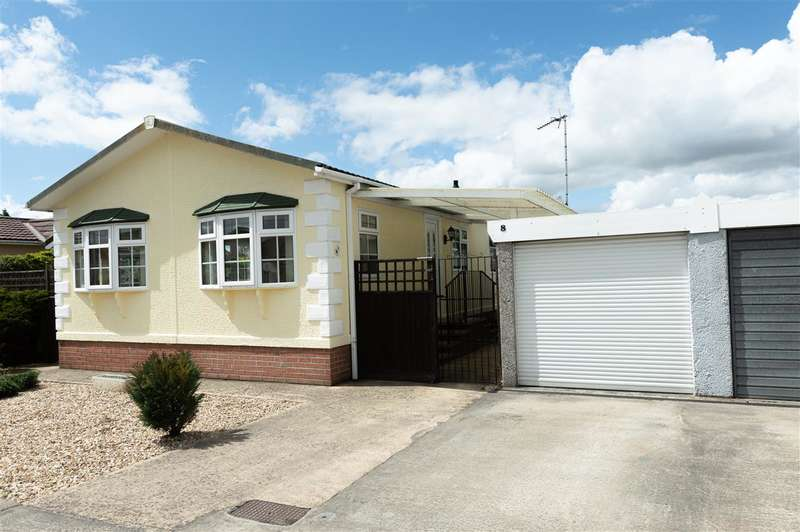 2 Bedrooms Park Home Mobile Home for sale in Lindum Park, Ruskington, Sleaford