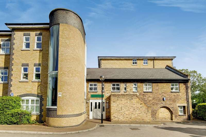 2 Bedrooms Flat for sale in Twig Folly Close, Victoria Park, E2