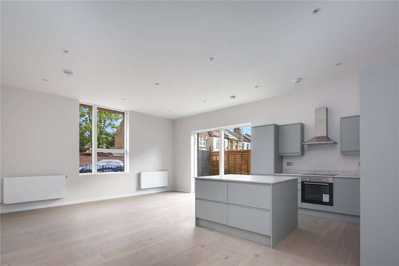 4 Bedrooms Flat for sale in Water Lane, Stratford, London, E15