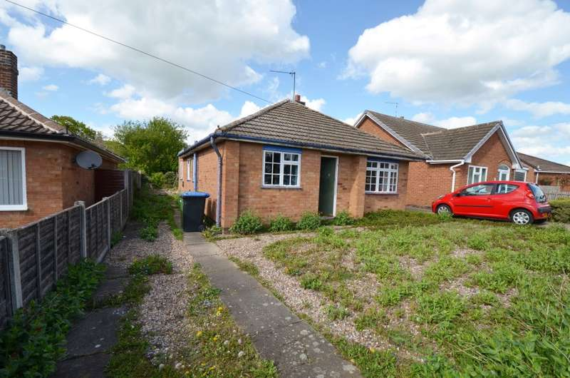 2 Bedrooms Detached Bungalow for sale in 6 Meriton Road, Lutterworth, Leicestershire