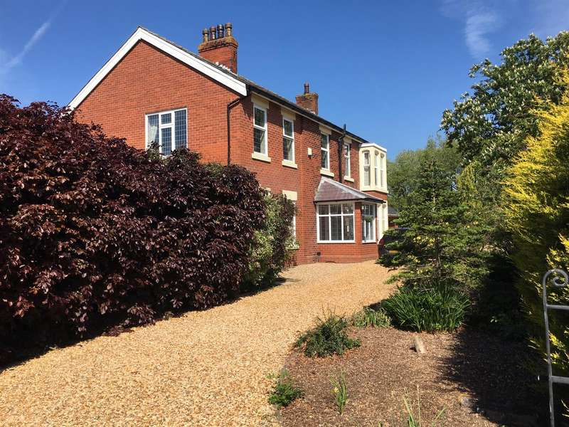 4 Bedrooms Detached House for sale in Corka Lane, Lytham