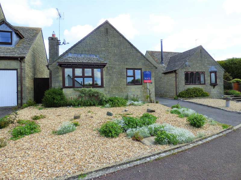 3 Bedrooms Bungalow for sale in Crail View, Northleach, Gloucestershire