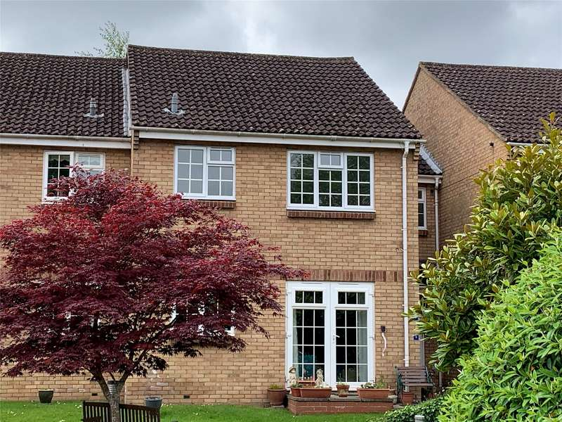 2 Bedrooms Flat for sale in Home Farm Court Greenway Lane, Charlton Kings, CHELTENHAM, Gloucestershire, GL52