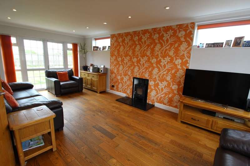 5 Bedrooms Detached House for sale in Sharpley Avenue, Coalville, LE67