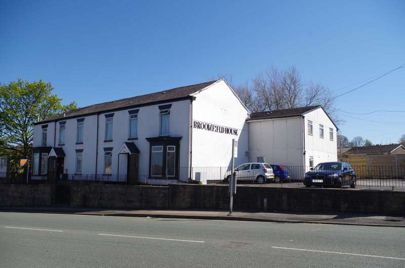29 Bedrooms House Share for rent in Wigan Road, Bolton