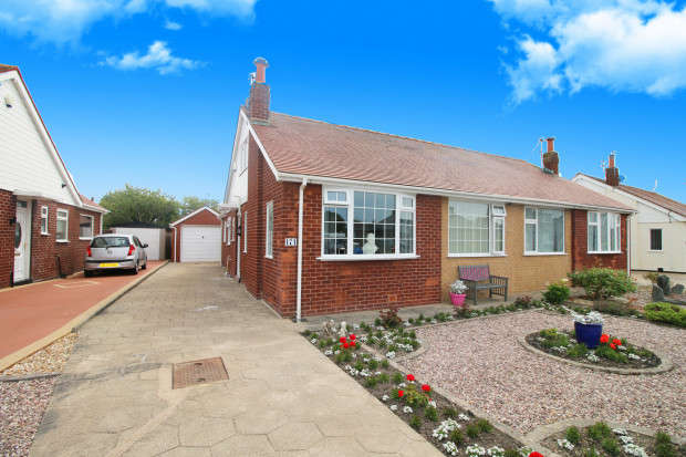 2 Bedrooms Bungalow for sale in Northumberland Avenue, Thornton-Cleveleys, FY5