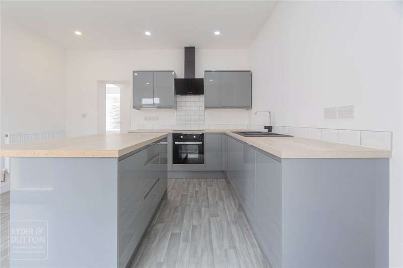 4 Bedrooms Terraced House for sale in Newchurch Road, Bacup, Rossendale, OL13