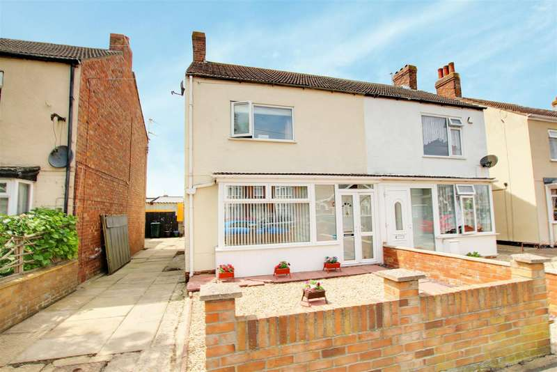3 Bedrooms Semi Detached House for sale in St. Andrews Road, Mablethorpe