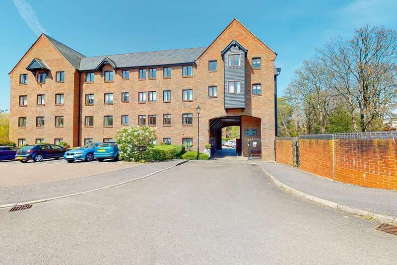 2 Bedrooms Flat for sale in Old Silk Mill, Silk Lane, Twyford, Reading, RG10