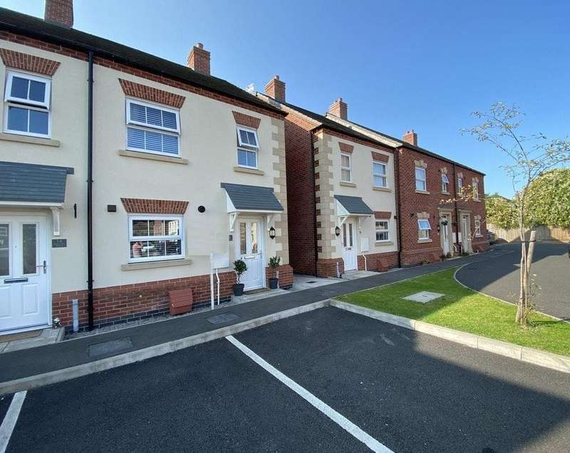 2 Bedrooms House for rent in Peacock Place, Wigston, Leicestershire