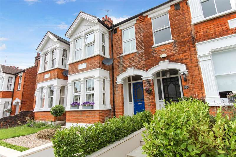 3 Bedrooms Terraced House for sale in Park Road, Brentwood