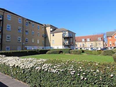2 Bedrooms Flat for sale in Norwich Crescent, Chadwell Heath