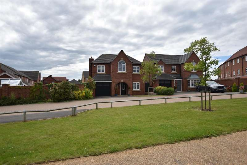 4 Bedrooms Detached House for sale in Carnation Road, Loughborough