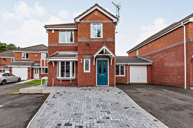 3 Bedrooms Link Detached House for sale in Grisedale Close, Middleton, Manchester, M24