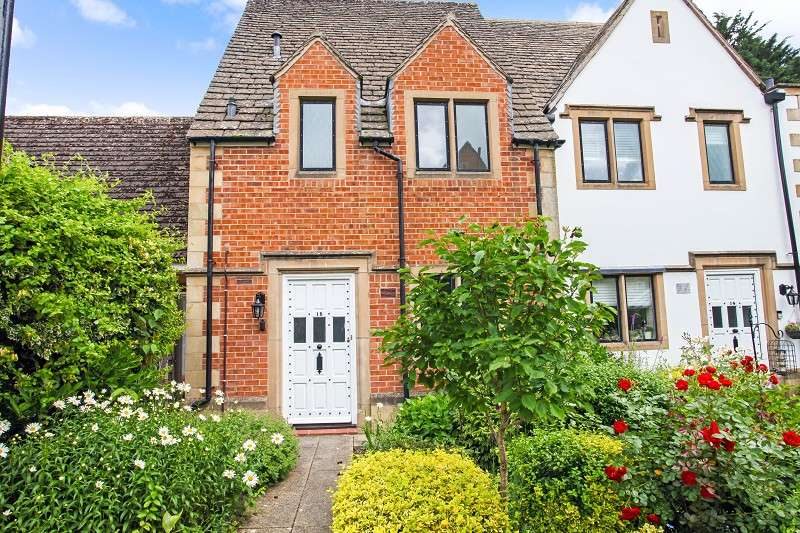 2 Bedrooms Terraced House for sale in The Grange, Moreton-in-marsh, Gloucestershire. GL56 0AU