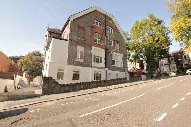 Studio Flat for rent in Mount View Road, Finsbury Park, N4