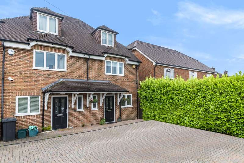 4 Bedrooms Semi Detached House for sale in Padworth, Berkshire, RG7