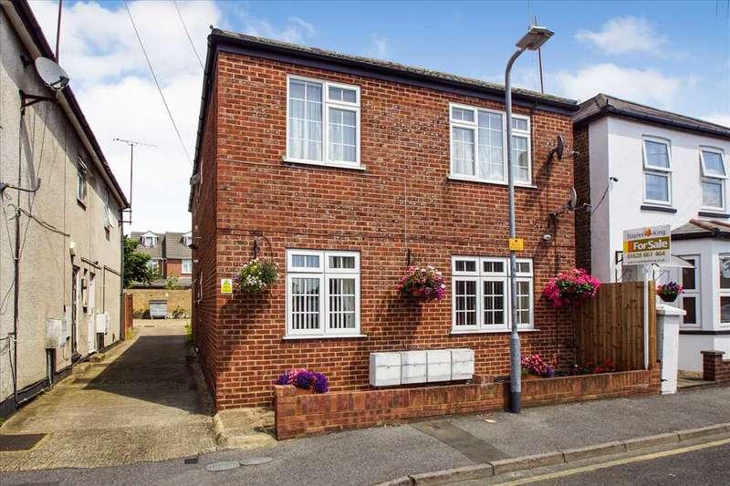 1 Bedroom Apartment Flat for sale in Hillside, Slough
