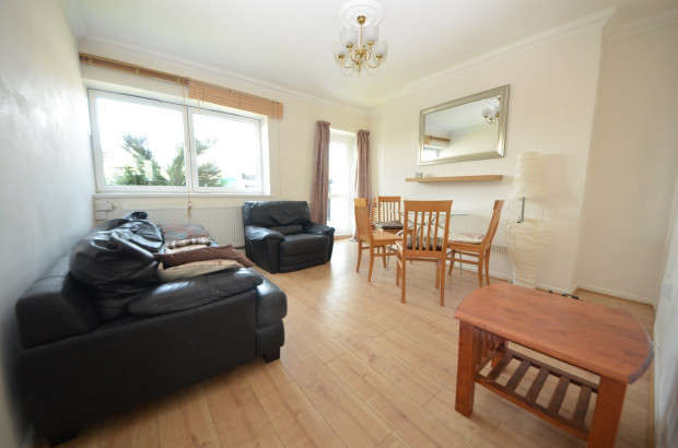 4 Bedrooms Flat for rent in Addington House, Stockwell Road, London, SW9